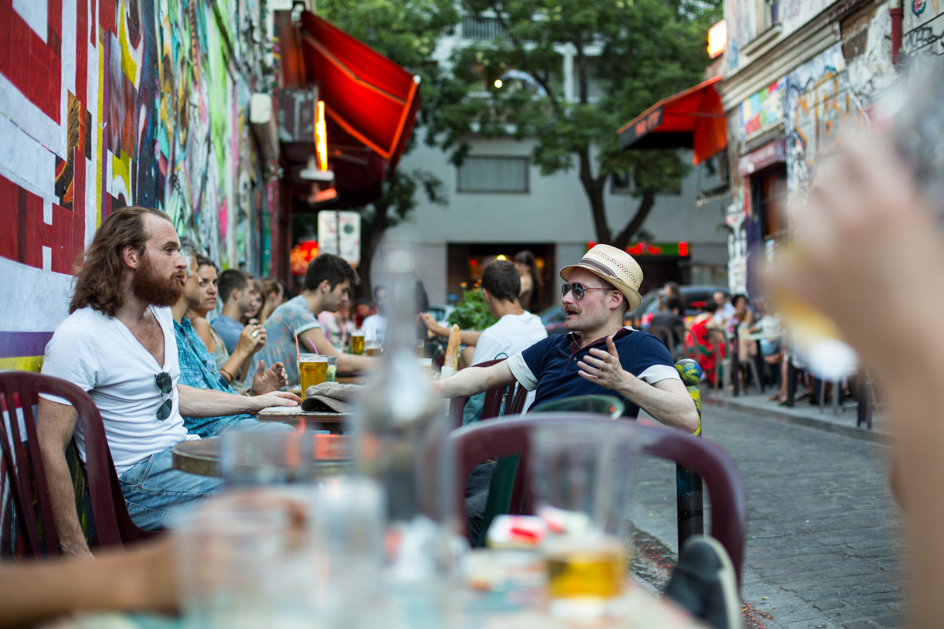 Outdoor Parisian bar